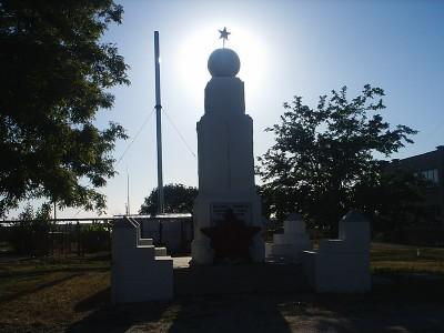 Памятник жертвам гражданской войны в центре Должанки - 08062702_resize.JPG