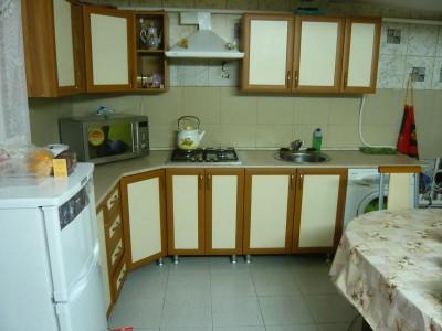 Отдельные недорогие домики для уютного семейного отдыха - кухня-в-доме2.jpg