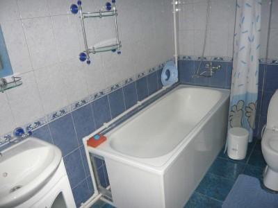Отдельные недорогие домики для уютного семейного отдыха - ванная.jpg