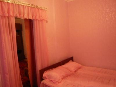 Отдельные недорогие домики для уютного семейного отдыха - Фото-спальни-1.jpg